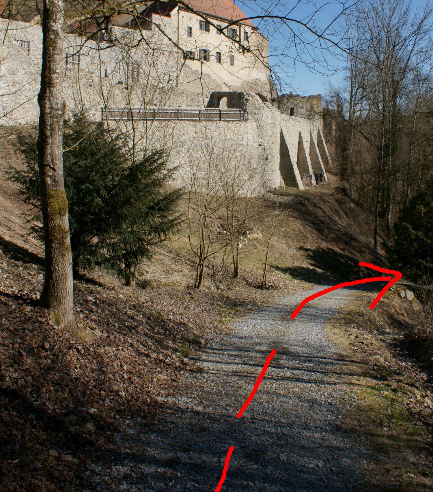 Zugang Burgmauerfelsen Inntalklettergarten Passau
